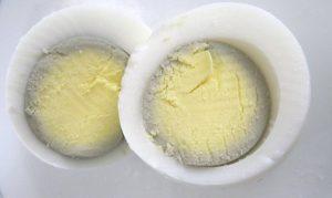 Un anneau vert dans vos œufs durs !!! C'est quoi ?